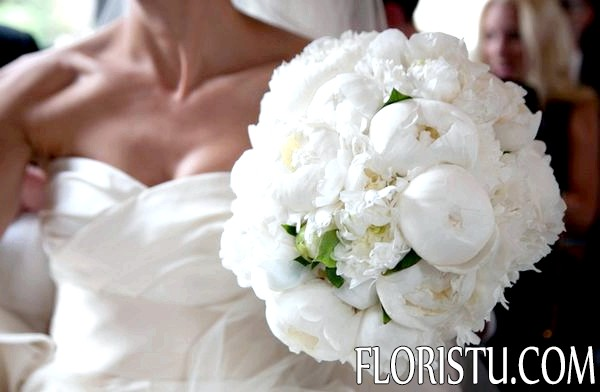 Свадебные букеты из пионов фото
